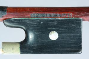 Sternberg hegedűvonó